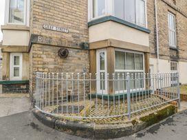 Apartment 6 - Whitby & North Yorkshire - 9865 - thumbnail photo 1