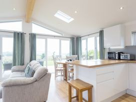 Nursery Lodge, 5 Horizon View - Cornwall - 987605 - thumbnail photo 3