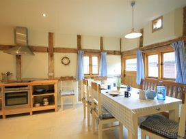 Whites Farm Barn - Herefordshire - 988599 - thumbnail photo 8