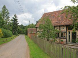 Whites Farm Barn - Herefordshire - 988599 - thumbnail photo 3