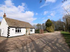 Hall Farm Cottage - Lincolnshire - 989856 - thumbnail photo 1