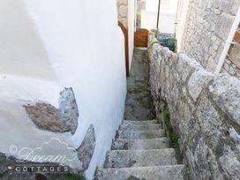 Ammonite Cottage - Dorset - 993922 - thumbnail photo 25