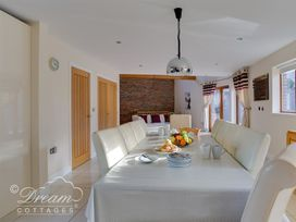 Baytree Lodge - Dorset - 993982 - thumbnail photo 14