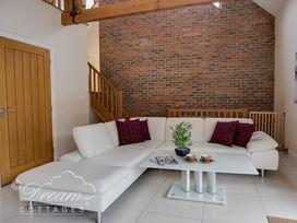 Baytree Lodge - Dorset - 993982 - thumbnail photo 18