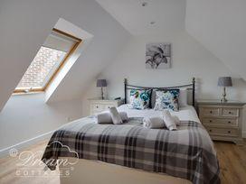 Baytree Lodge - Dorset - 993982 - thumbnail photo 42