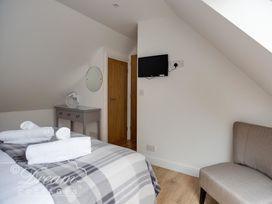 Baytree Lodge - Dorset - 993982 - thumbnail photo 44