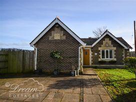 Frome Lodge House - Dorset - 994210 - thumbnail photo 1