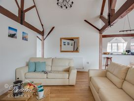 Old Coastguard Apartment 3 - Dorset - 994465 - thumbnail photo 9