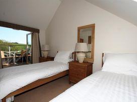 6 Court Cottage, Hillfield Village - Devon - 995354 - thumbnail photo 6