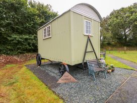 Shepherds Hut - The Hurdle - South Wales - 997062 - thumbnail photo 3