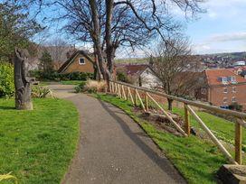 Tyreman's Return - Whitby & North Yorkshire - 997312 - thumbnail photo 16