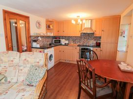 Rose Tree Cottage - Whitby & North Yorkshire - 998822 - thumbnail photo 4