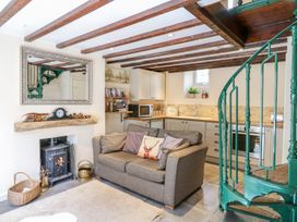Woodedge - Somerset & Wiltshire - 999220 - thumbnail photo 3