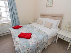 Sant Seiriol - Anglesey - 999235 - thumbnail photo 21