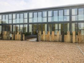 2 Seagry Barn - Somerset & Wiltshire - 999951 - thumbnail photo 2