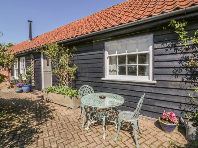 Courtyard Cottage, Poplar Farm Barn - 1001535 - photo 1