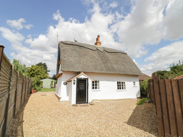 The Little Thatch Cottage - 1033740 - photo 1