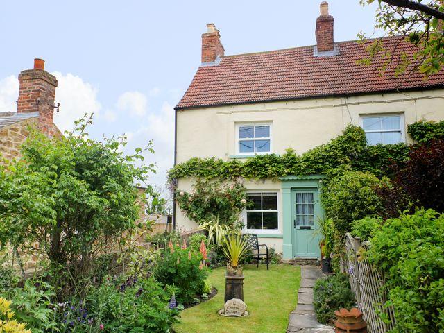 4 Castle Cottage - 1043214 - photo 1
