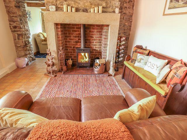 Brookside Cottage - 1054837 - photo 1