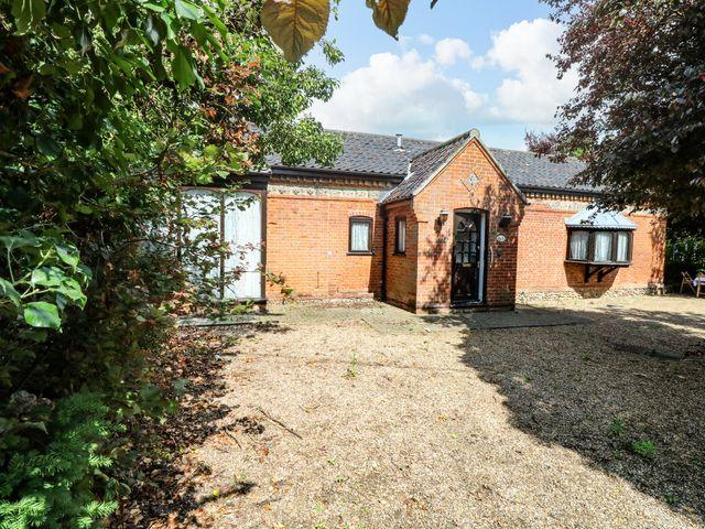 34 Barnham Broom Road - 1067735 - photo 1