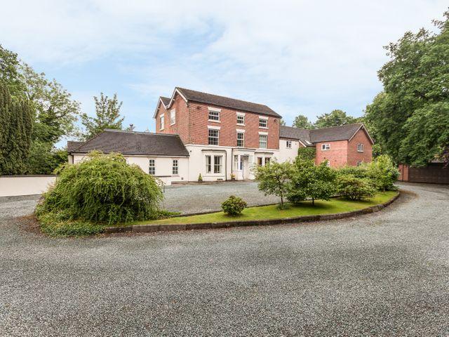 Rosehill Manor - 11281 - photo 1