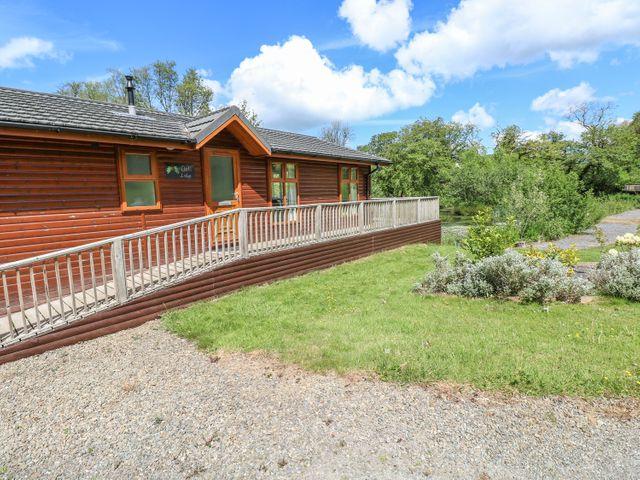 Oak Lodge - 917601 - photo 1